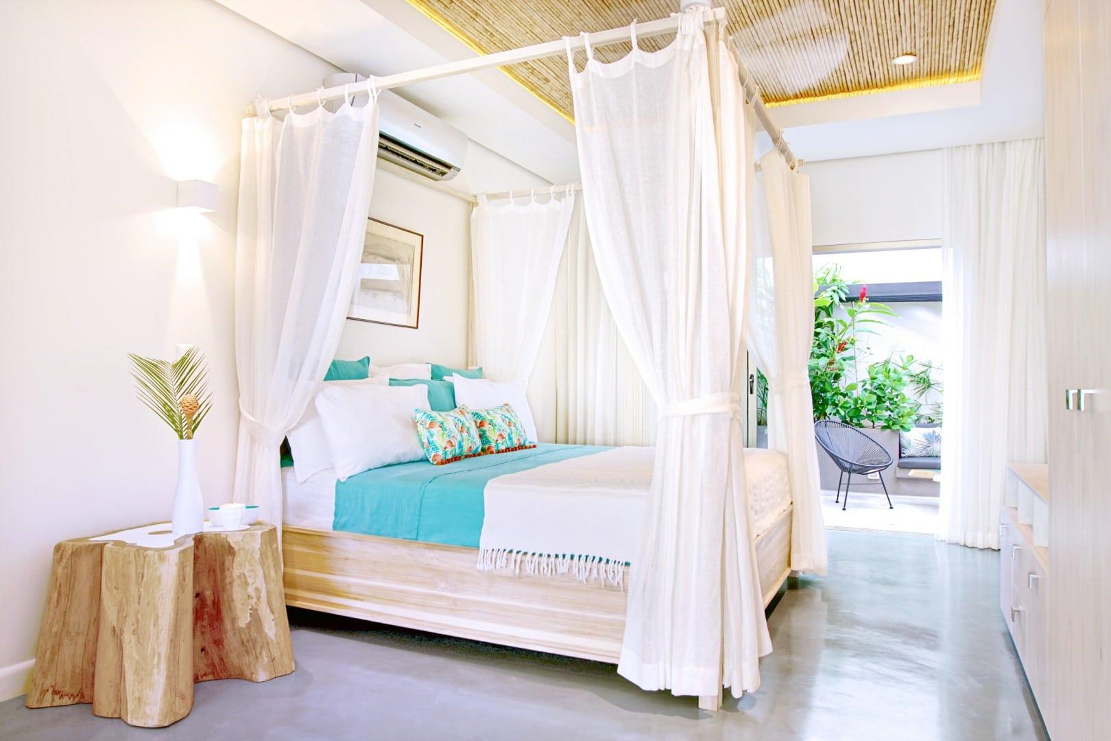Casa Frisons Bougainville Room