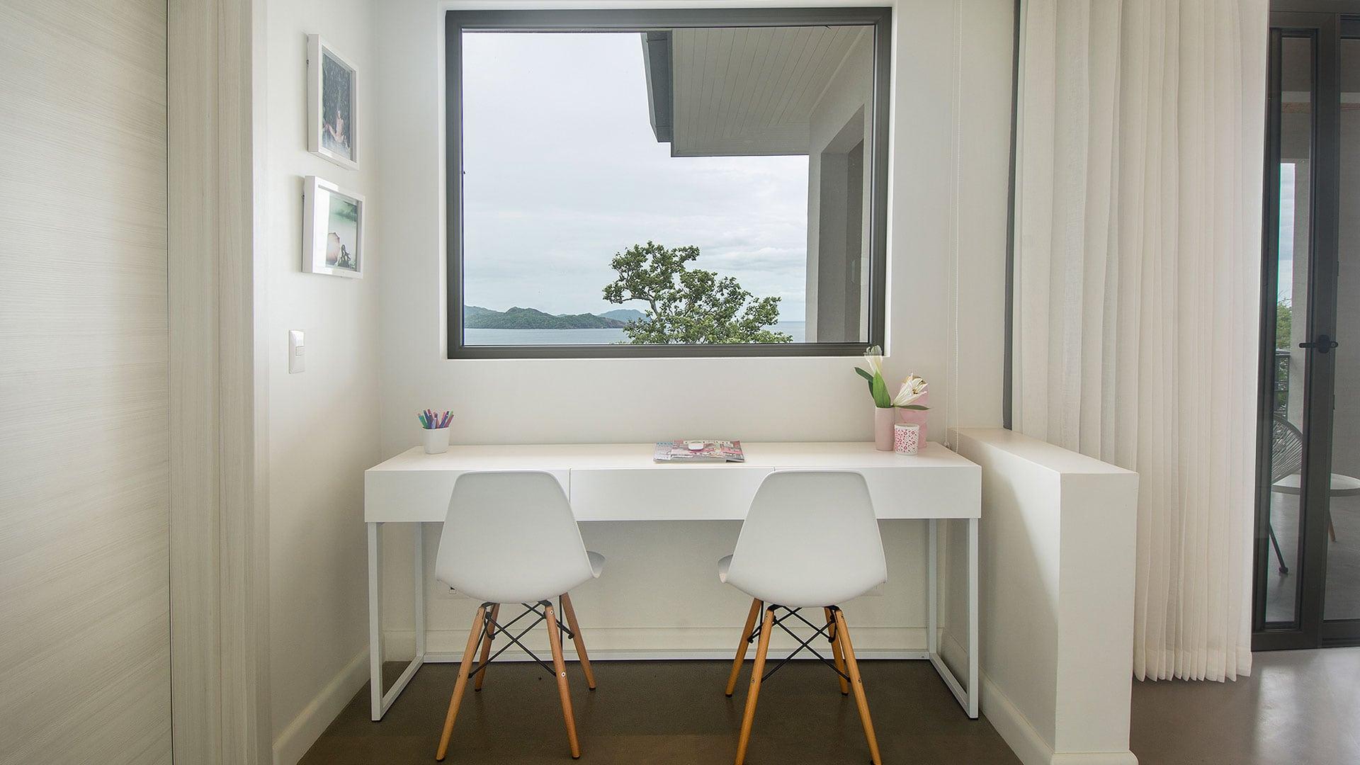 Casa Frisons Penthouse Desk Area