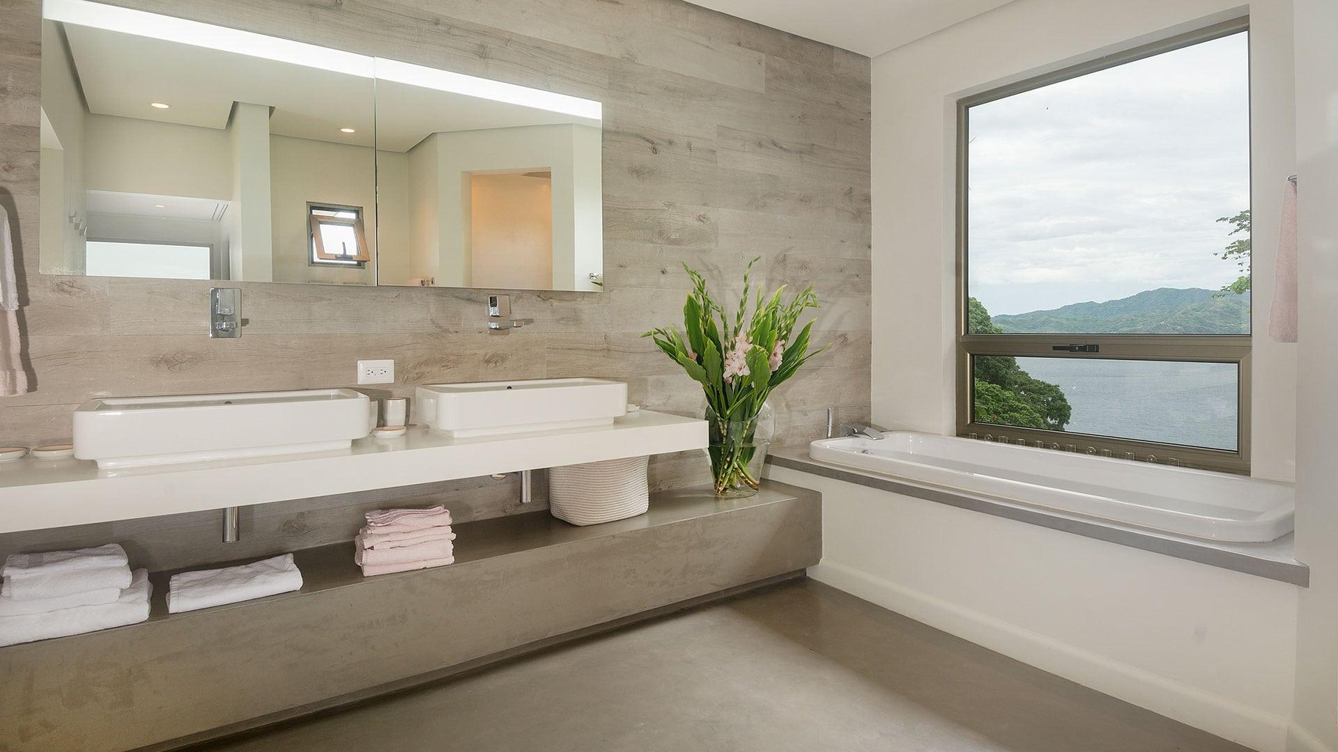 Casa Frisons Penthouse Bathroom